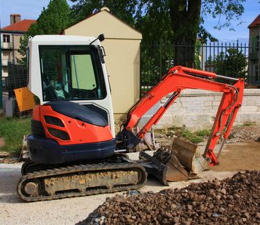 Quelles sont les étapes d'un chantier de terrassement d'une maison ?